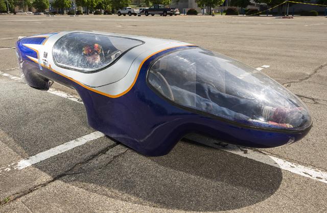 比駕駛還輕的超級節能車,20公克汽油能跑 846.5公里?油箱比飲料瓶還小!
