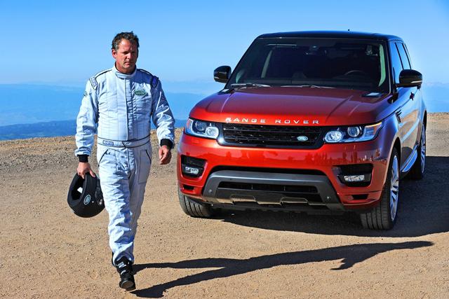 Range Rover Sport性能休旅車衝上雲端,一次締造兩項 Pike's Peak爬山賽記錄!