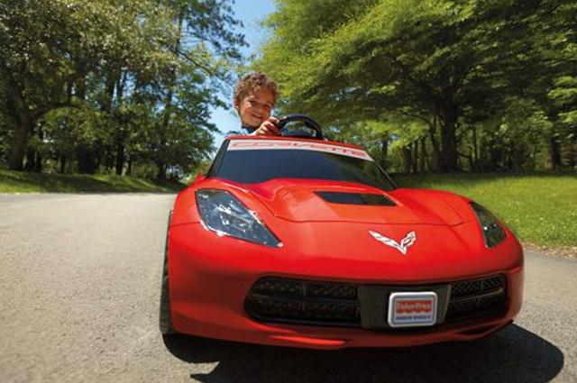 同級最速2014 C7 Corvette Stingray兒童電動車,讓其它小駕駛連尾燈都看不到!