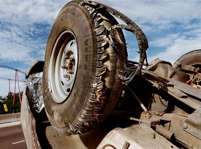 五個該換輪胎的警訊,幫你避免恐怖的爆胎車禍意外!