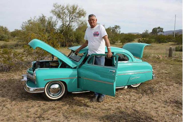 神級 DIY老爹 Ernie Adams打造多輛迷你經典古董車與賽車!