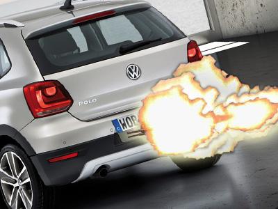 VW CrossPolo掀背車改裝成暗殺兇器!瘋狂掃射賓士 AMG轎跑車!