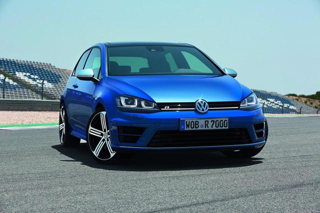 0-100km/h加速只要4.9秒的 Golf現身了!300匹馬力 Golf R性能鋼砲