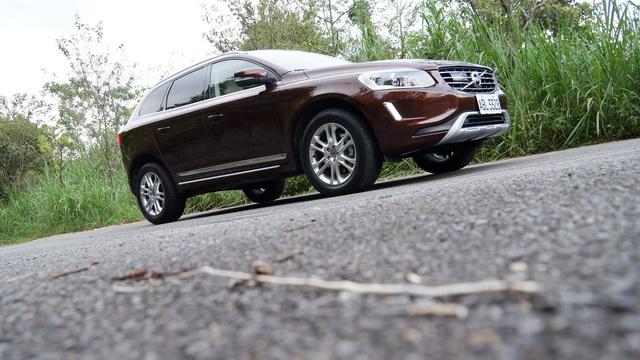 2013 Volvo XC60 T5旗艦版小改款試駕!有設計感、質感、也有操控性能,更重要的是很安全!