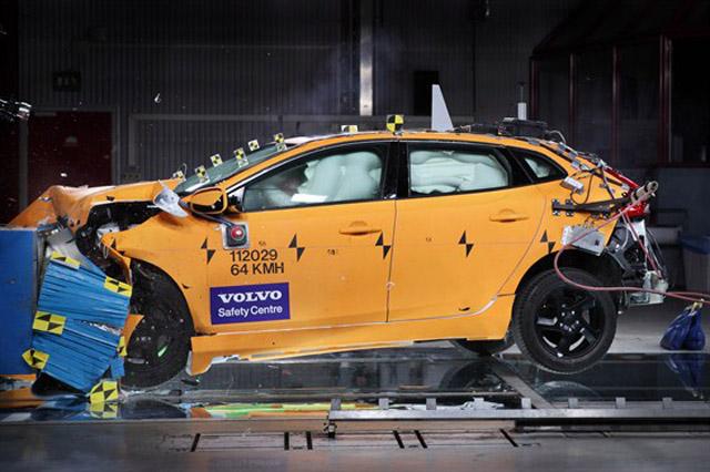 安全報告顯示 VOLVO汽車安全性高出平均水準60%,有了它,受傷機率都大幅降低了!