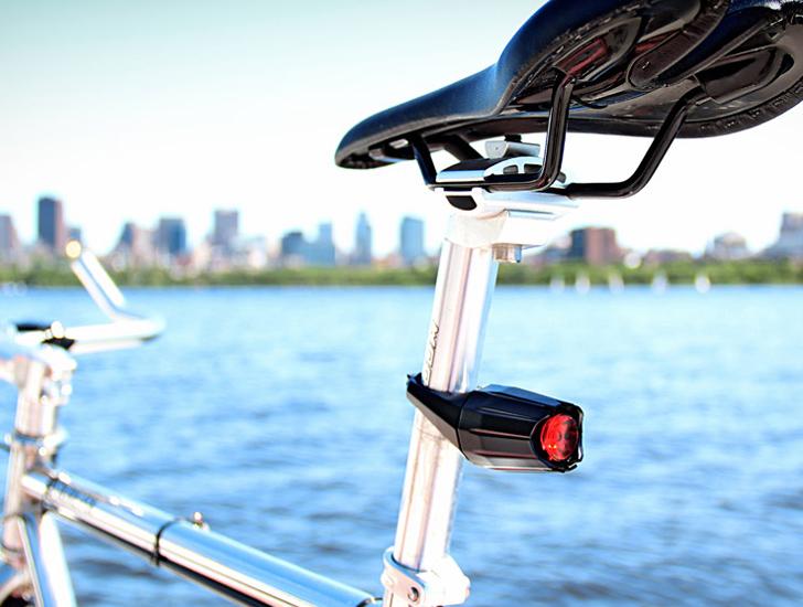 美國 MIT麻省理工學院技師們被偷怕了,乾脆自行研發防盜腳踏車燈!