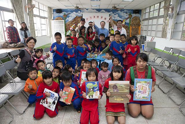 JAGUAR LAND ROVER在地推動「Our Planet」  積極培養下一代閱讀興趣!