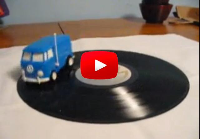 【能播放唱片的 VW玩具車】