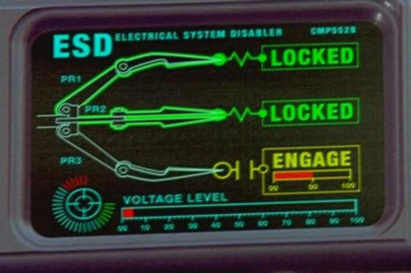 歐洲警政署已經開發出「無線電波控制車輛拋錨」技術!高速追逐再也不是玩命關頭