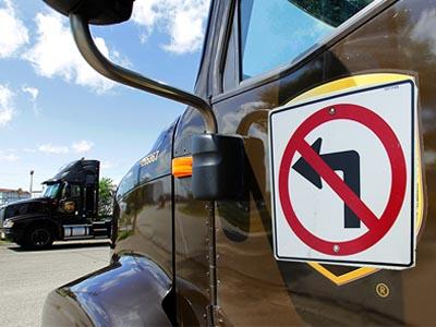 為什麼美國 UPS快遞公司要求運送司機們避免左轉?