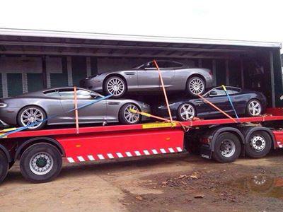 【熱門話題】千萬 Aston Martin超跑這樣運送?是幻覺嗎?