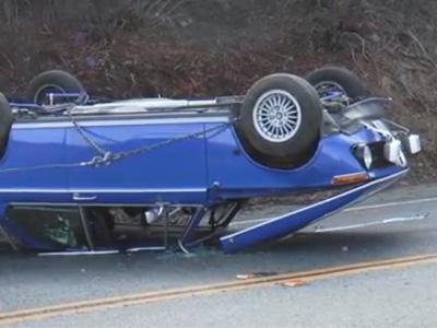 少年撞翻與老爸辛苦整修的 BMW 2002跑車,拖車司機還來個二次傷害!