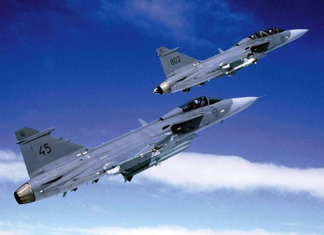 兩個 Saab命運大不同!JAS 39 Gripen獅鷲戰鬥機越飛越高