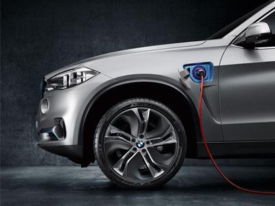 【熱門話題】BMW X5 eDrive電動概念車現身,休旅車也要節能環保!