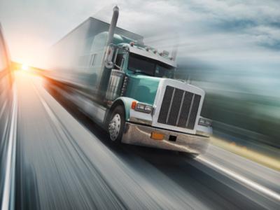 卡車開得越快,公路越安全?怎麼感覺是相反呀?