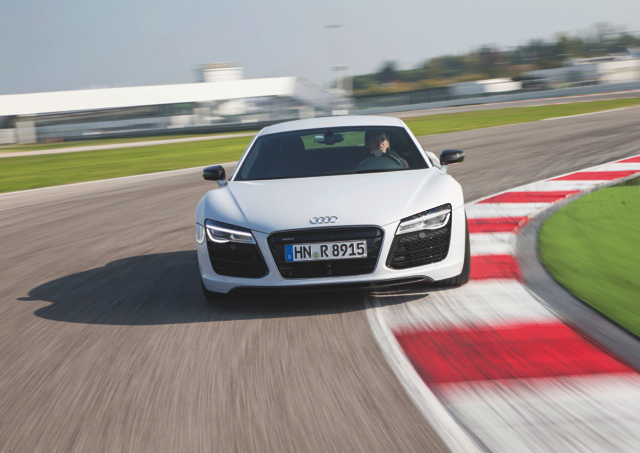 「2014 Audi driving experience 極限體驗營」開放報名!通過「Audi 賽車體驗營」認證,可得國際 C級賽車駕照