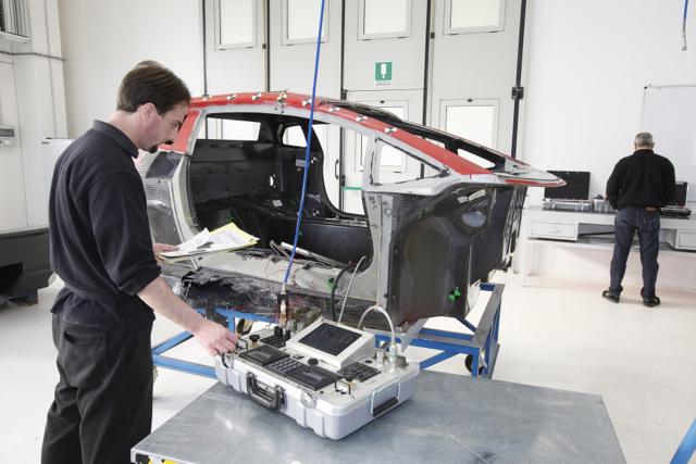 全球車壇殊榮:Lamborghini碳纖維修繕技術榮獲TÜV認證