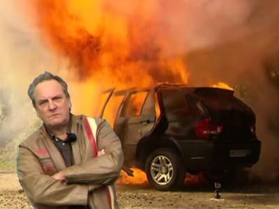 德國車主怒砸 BMW X5山寨車後再把它給炸了!