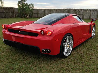 用法拉利 F430超跑打造的 Ferrari Ezno複製車!成本超大但效果就...
