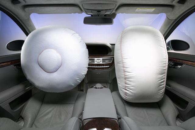 Airbag是叫安全氣囊、或輔助氣囊?這玩意兒就跟小炸彈一樣!