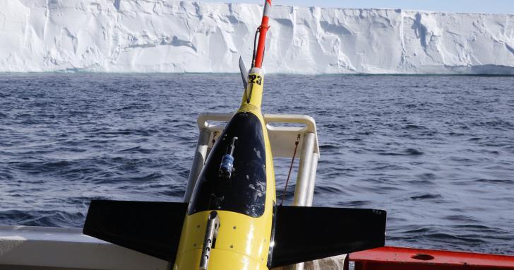 保羅·艾倫生前資助的無人潛艇,已經在南極冰下巡航了一年