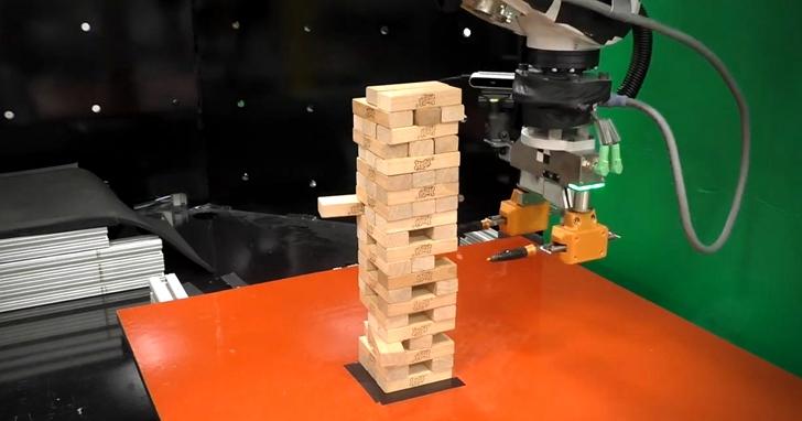 AI在棋類、魔術方塊打敗人類後,MIT麻省理工學院最新研發了「疊疊樂」大師