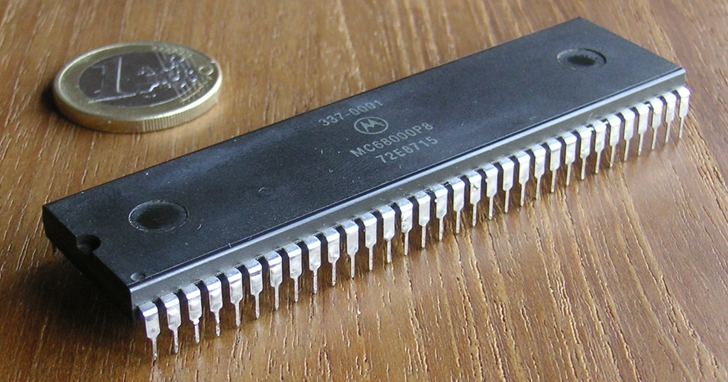 從《太空哈利》到《快打旋風II 》,都少不了這顆一手推動大型機台遊戲黃金時代的 motorola 68000 處理器