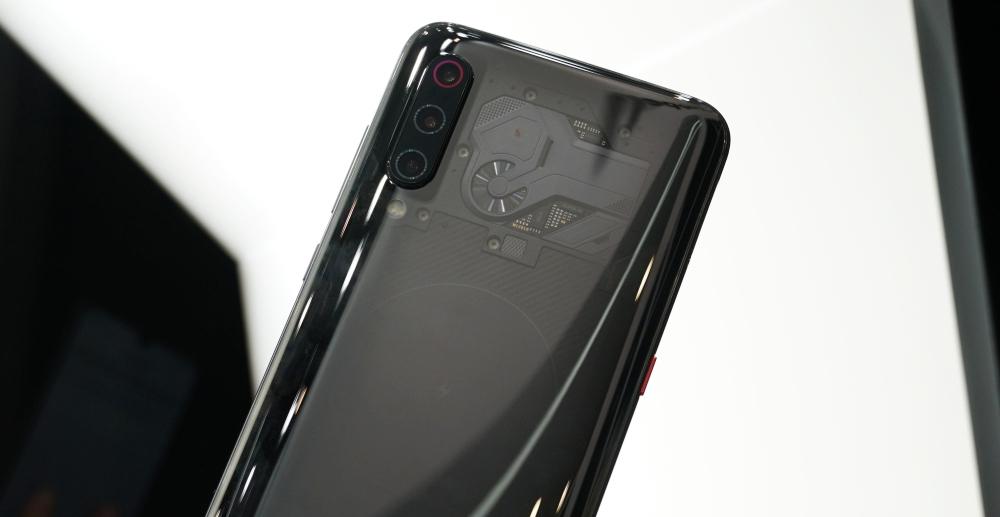 小米 9 透明尊享版、小米 MIX 3 特別版在 MWC 展出