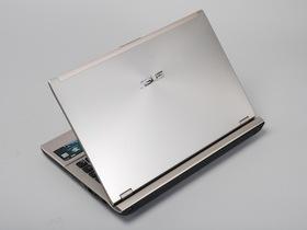 Asus U46SV:新鮮香檳金的輕薄、效能筆電