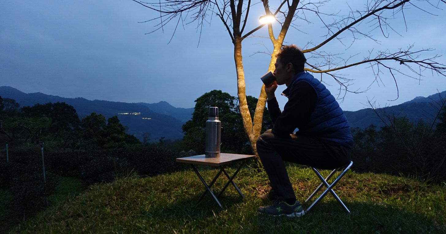 體積小巧,應用更彈性!「睡外面露營社」社長貓毛如何評價 Sony LED 手提燈 CL-N810?
