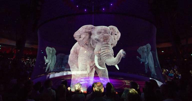 因為各國逐漸禁止真實動物表演,德國馬戲團使用3D全像投影技術模擬真實動物表演