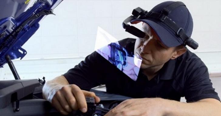 黑手要失業了?BMW 推出智慧型眼鏡,直接將修車步驟投射到你眼前