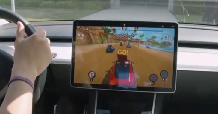 坐在汽車裡來打一場賽車遊戲?特斯拉版《Beach Buggy Racing 2》開始提供下載、手握真實方向盤操控賽車