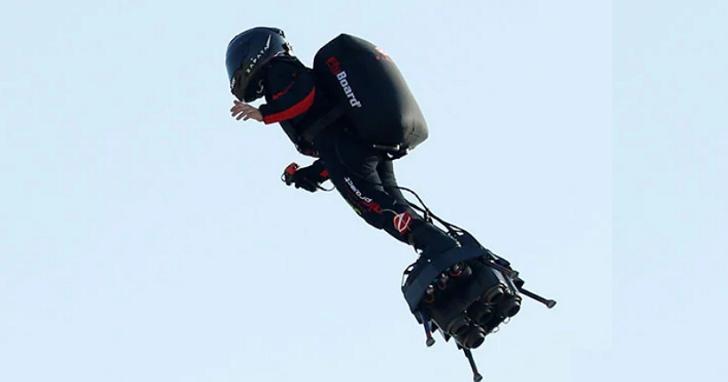 法國「綠惡魔」乘空中滑板成功橫跨英吉利海峽,未來可能投入反恐作戰