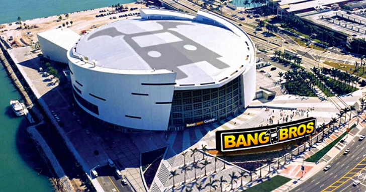 愛看NBA的人也愛看A片?成人網站「Bangbros」出價千萬美元打算冠名邁阿密熱火隊主場體育館十年