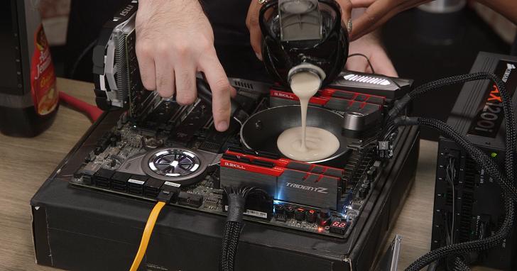 如果用 CPU 的廢熱來烤鬆餅,AMD 與 Intel 誰會煎得更好吃?