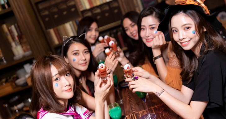 Paktor拍拖 x Mr. Bean首場聯名萬聖快閃派對,邀你一起舉杯狂歡!