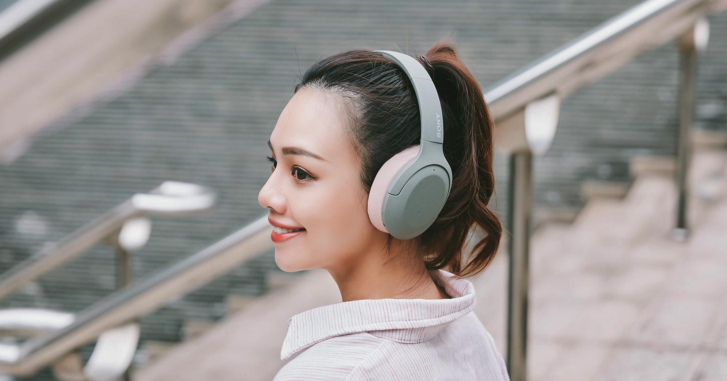 Sony h.ear 系列無線藍牙降噪耳機 WH-H910N 試聽:雙色混搭個性風格,體驗靜謐的 Hi-Res 高解析音質獨享時刻!