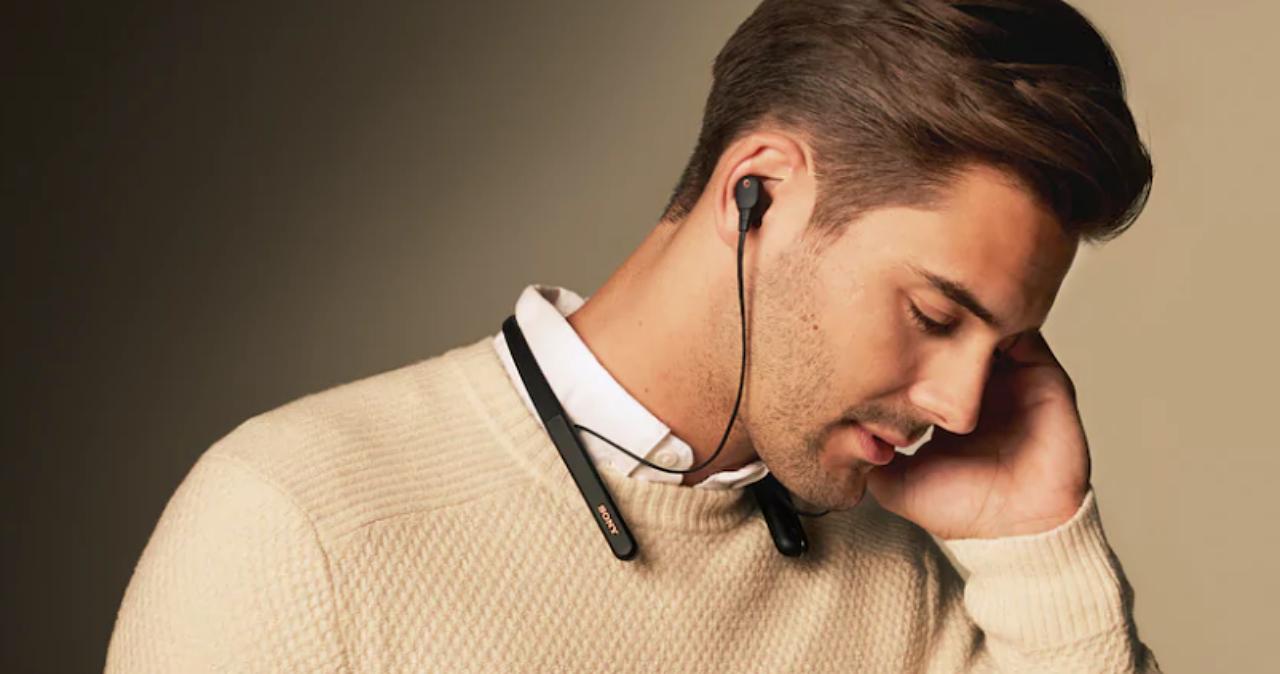 不怕抗噪耳機聽不到環境音,Sony 推出可偵測使用者行為的 WI-1000XM2 頸掛降噪耳機