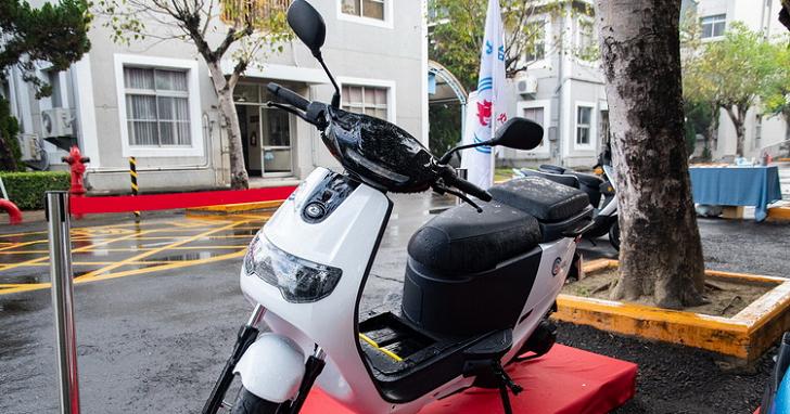 電池國產化里程碑,「中油軟碳材料」eMOVING iE 車系未來將同步採用