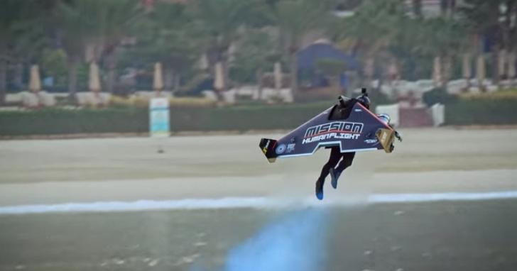 從地面飛到一千公尺高空僅需30秒!Jetman個人噴射飛行器離鋼鐵人飛行夢更進一步