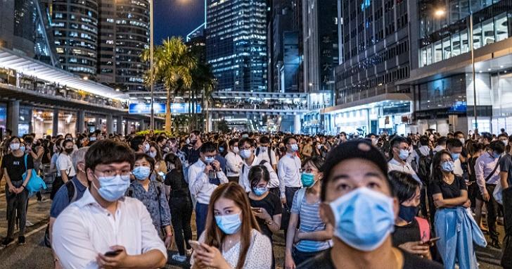 香港版紓困方案公布:向18歲以上香港永久居民派發1萬元港幣,預計暑假開始派發