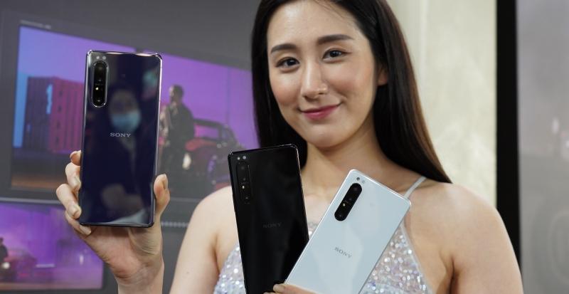 Sony 首款 5G 手機 Xperia 1 II 在台正式亮相,35,990 元、預購送配件購物金