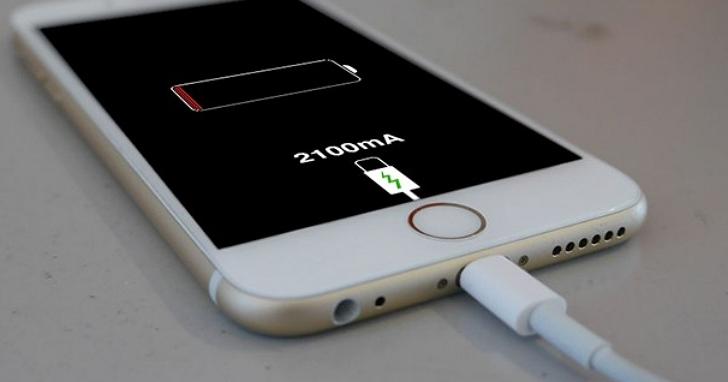 iPhone 12 包裝盒設計曝光,印證謠傳不再附贈有線耳機、豆腐頭充電器