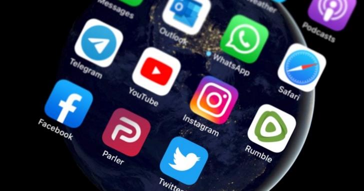 當推特、臉書充滿了「假新聞」的標籤後,另一個強調不禁言的社群平台出來真有比較好嗎?
