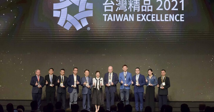奧圖碼P2雷射超短焦投影機 榮獲第29屆台灣精品獎銀質大獎