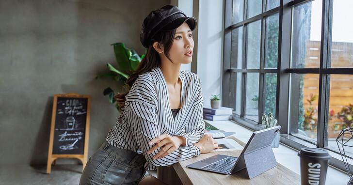 輕巧便攜、媲美筆電效能的 Lenovo Tab P11 Pro 平板電腦,詮釋數位生活最佳型態!