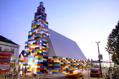 真的用樂高 LEGO 蓋的房子!巨型樂高屋現身荷蘭