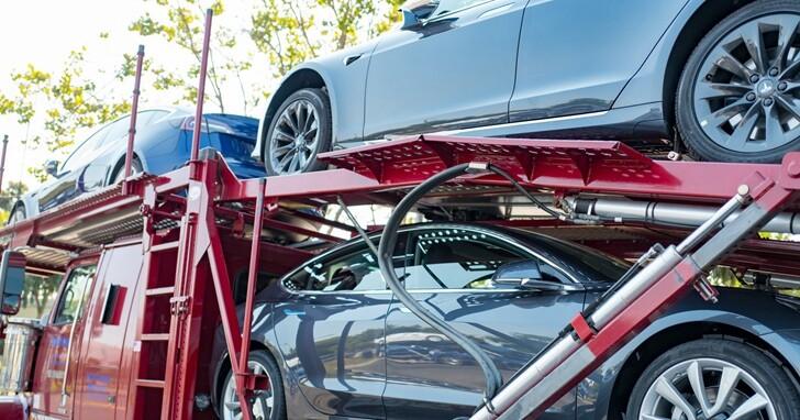 固態電池也有「摩爾定律」,電動車革命將在未來2年內啟動