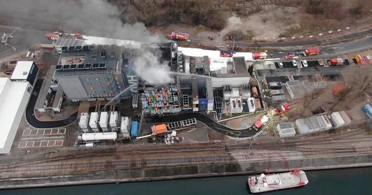 歐洲最大雲端供應商OVH大火:末日生存遊戲《Rust》宣布25個伺服器全毀,玩家存檔歸零